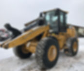 2011 CAT 930H - Front Right.jpg
