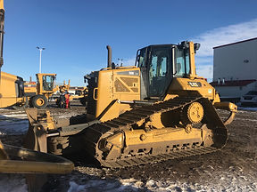 2015 CAT D6N LGP - Front Right.jpg