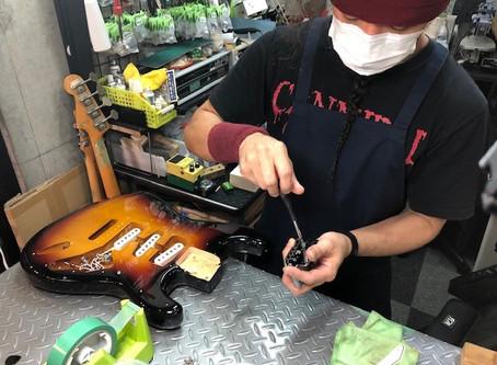【川越のT.S.G.楽器店】リペアマンが常駐