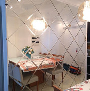 Montagem de espelhos em losangos é uma e