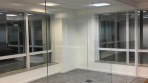 Saiba os benefícios de dividir ambientes com Divisórias de Vidro