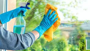 Conheça 3 dicas para limpar os vidros após uma obra
