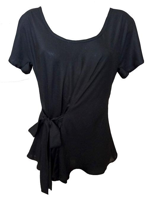חולצה שחורה עם קשר קדמי