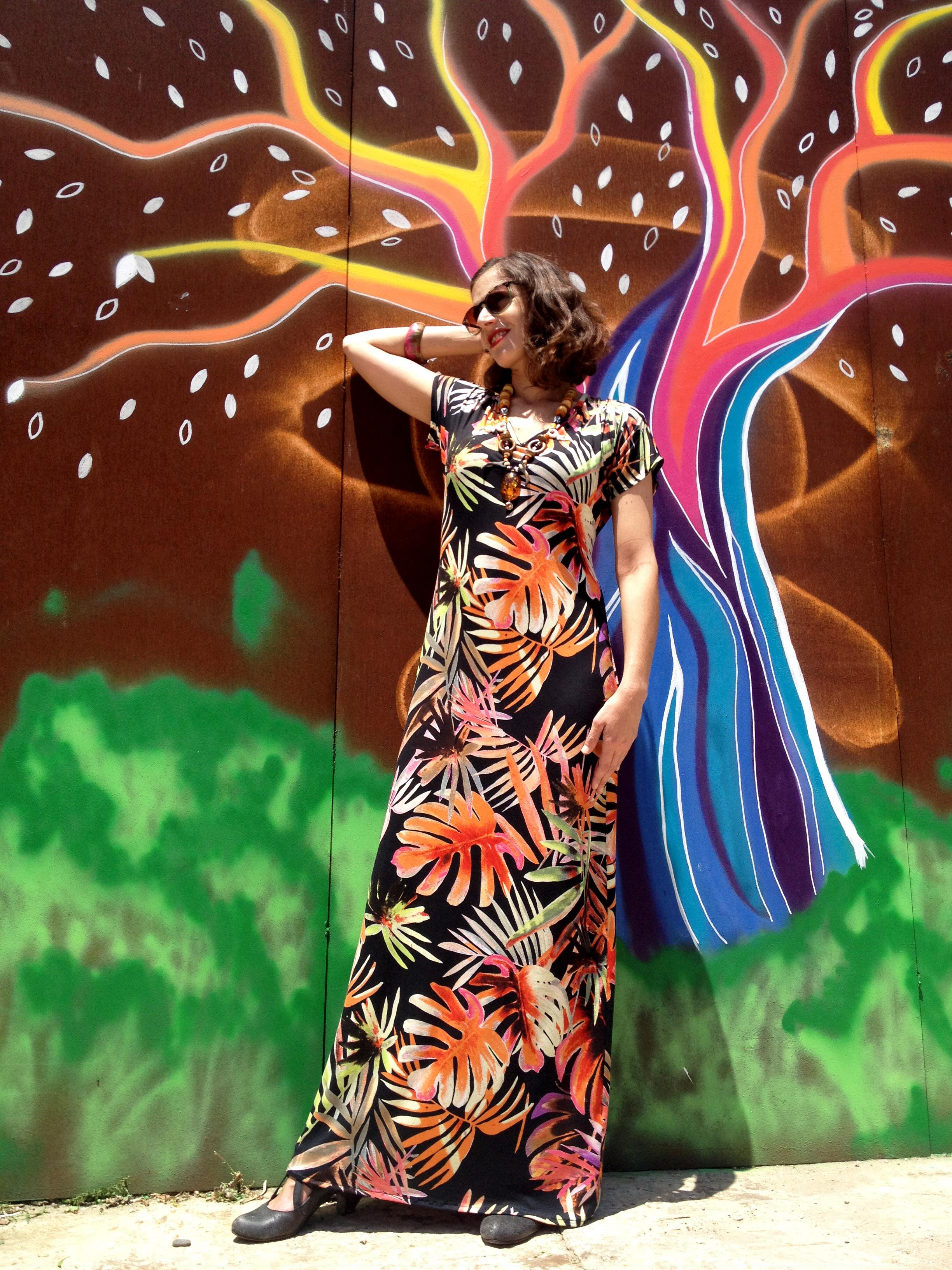 שמלת מקסי וי פרחונית