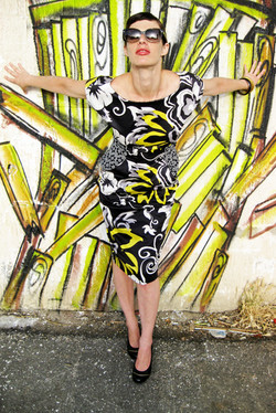 שמלת שפיץ שחור-צהוב