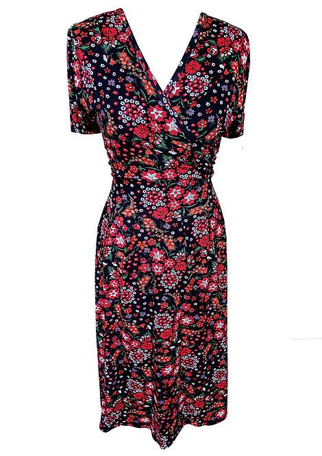 שמלה פרחונית מתרחבת