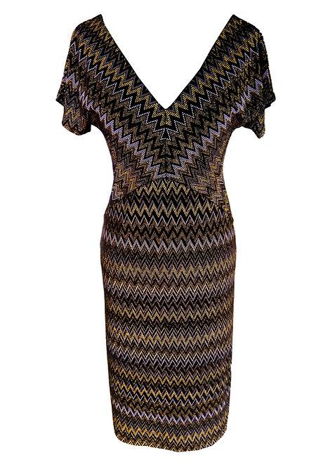 שמלת קטיפה בשחור וזהב
