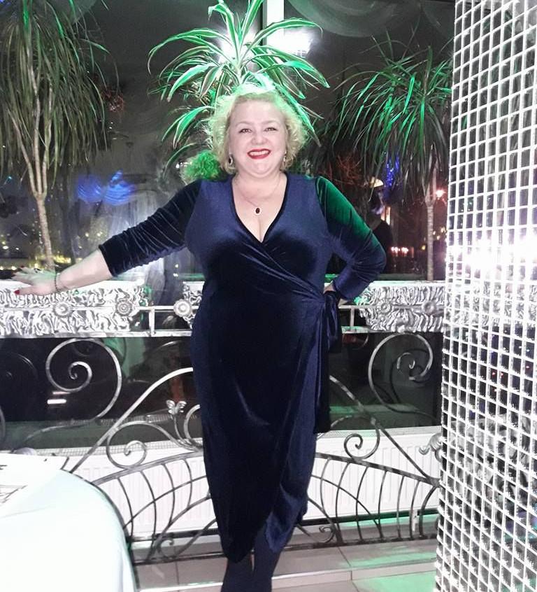 שמלת מקסי קטיפה כחולה