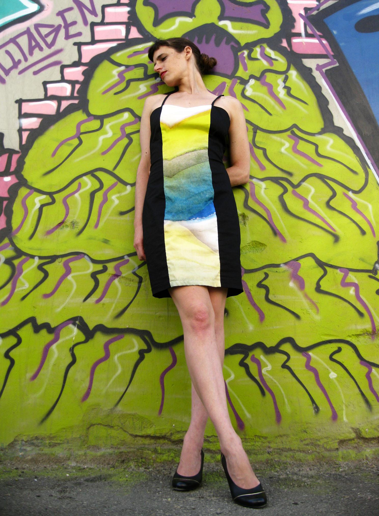 שמלת מיני צבעים