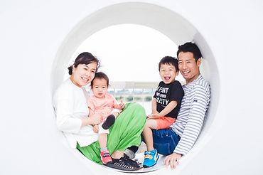 出張撮影のgemphotoworksの家族写真プラン