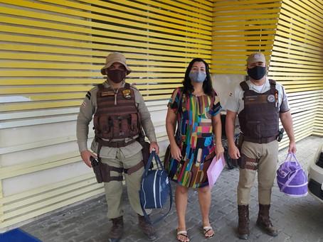 Policiais militares socorrem mulher em trabalho de parto na RMS
