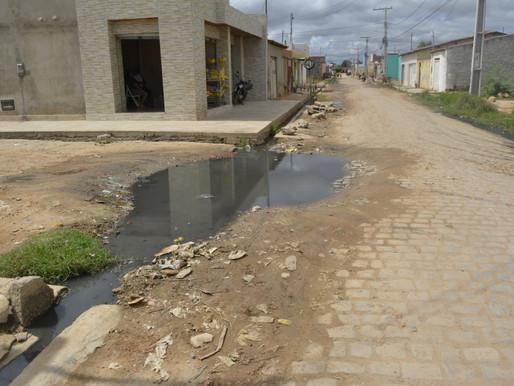 Juazeiro: Moradores do Antônio Guilhermino não se conformam com a falta de saneamento básico