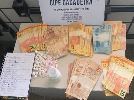 R$ 5,1 mil que seria utilizado no tráfico de drogas é apreendido