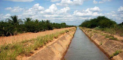 Homem morre afogado após salvar vida de sobrinha no Canal N6 em Petrolina