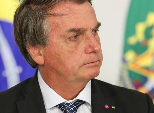 Bolsonaro indica que vetará perdão a dívidas de igrejas