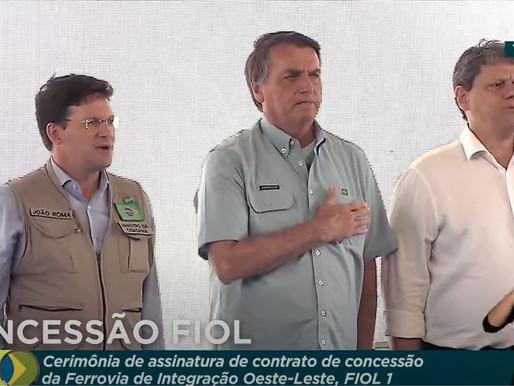 Presidente Jair Bolsonaro participa de cerimônia para concessão de ferrovia na Bahia