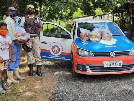 Famílias de Salvador, RMS e interior recebem doações da PM