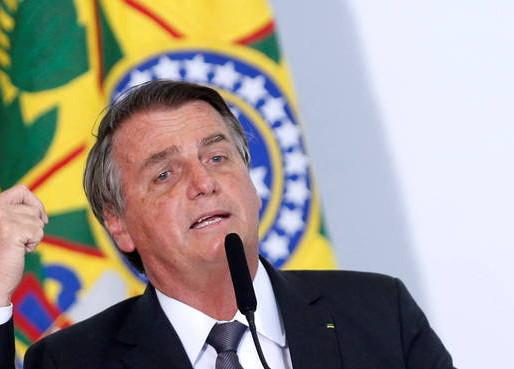 À TV Brasil, Bolsonaro afirma que vai vetar o novo Fundo Eleitoral