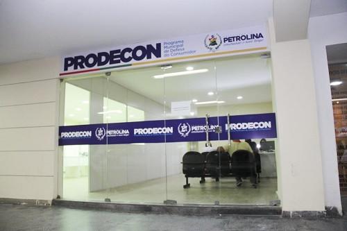 Prodecon notifica estabelecimento por expor produtos sem preços e alerta sobre direitos