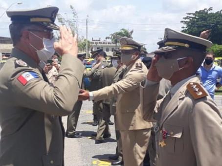 Polícia Militar de Alagoas entrega medalha a servidor da SSP/BA