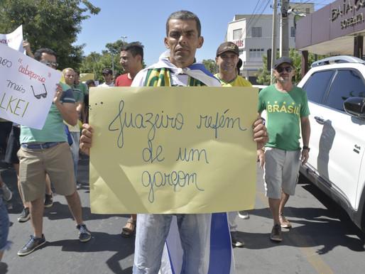 Domingo em Juazeiro é marcado por manifestação a favor de Bolsonaro e contra Paulo Bomfim.