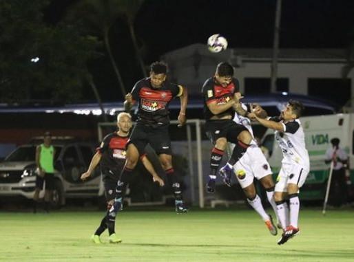 Vitória perde em casa para o Botafogo-PB, pela Copa do Nordeste e aumenta a crise.