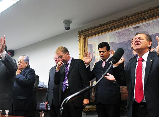 Após veto parcial a perdão de dívidas de igrejas, bancada evangélica se reúne com Bolsonaro