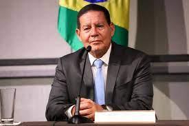 Mesmo sem voto impresso, é 'lógico' que vai ter eleição em 2022, diz Mourão