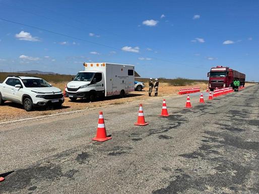 Juazeiro: 4ª Cia. da Polícia Rodoviária intensifica fiscalização e combinação de veículos de carga