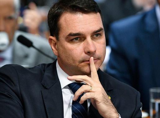 Justiça proíbe Globo de exibir documentos do caso Flávio Bolsonaro, diz coluna