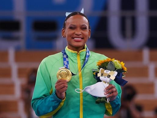 Rebeca Andrade salta para o ouro e vira 1ª brasileira com 2 medalhas em uma edição das Olimpíadas
