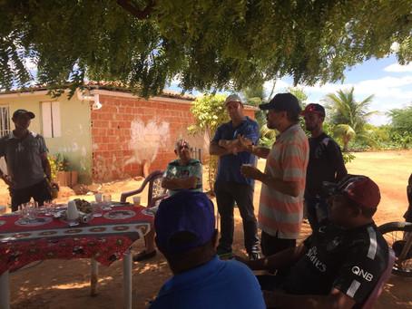 Renato Brandão visita comunidade de Carneiros