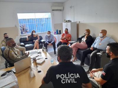 Reunião discute combate a explosões de caixas eletrônicos