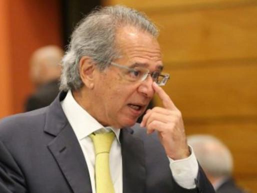 Governo avalia liberar recursos de contas de FGTS e PIS-Pasep para estimular economia, diz Guedes.