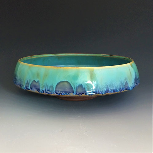 Wide Bowl with a raised base