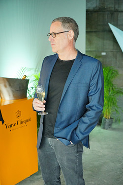 Pre-opening Veuve Clicquot