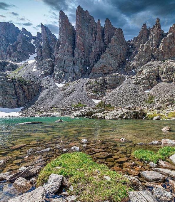 Sky pond colorada, adventure travel destination