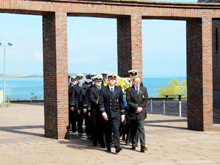 Seeoffizierbund besucht Marine-Ehrenmal in Laboe