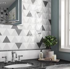 Scale Triangolo 4.5x5 White, Light Grey, & Dark Grey