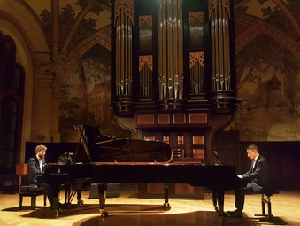 Katowice, Koncert dypomowy Dombrova Piano Duo w auli im Szabelskiego w Akademii Muzycznej im. Karola Szymanowskiego.