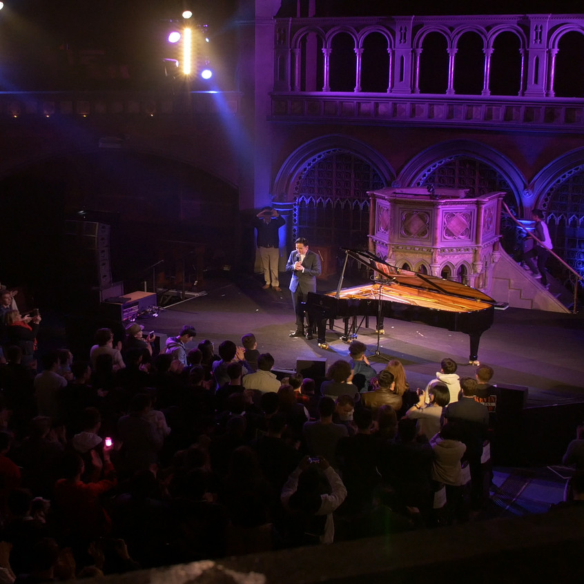 Animenz_standing_ovation_Union_Chapel_London