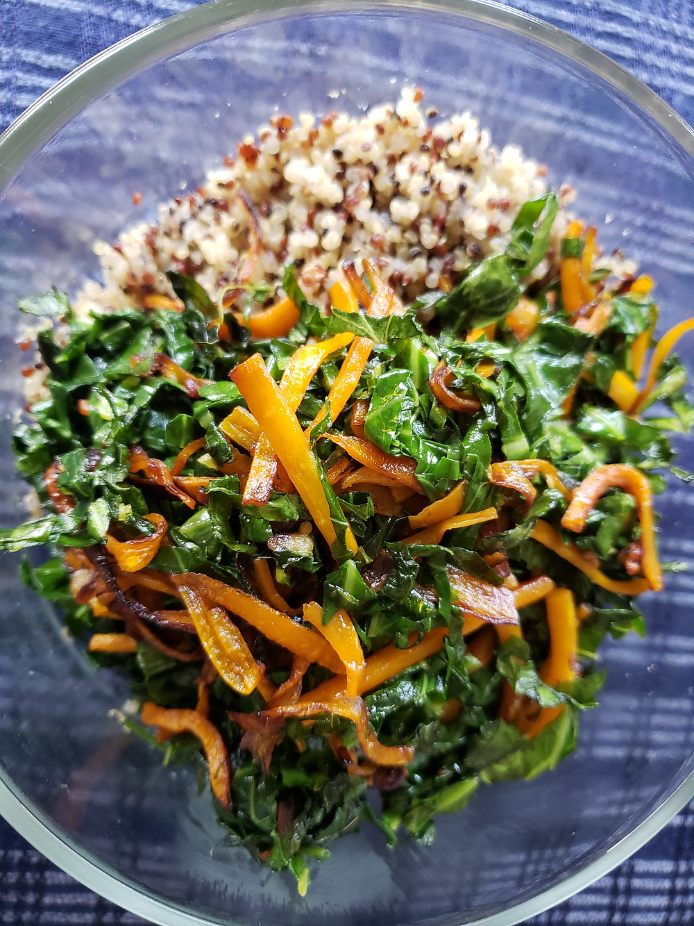 Couve a Mineira with Carrot and Tricolor Quinoa