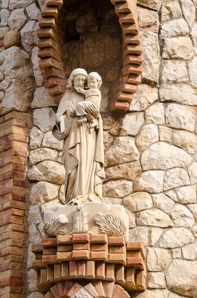 Utsmykning på utsiden av kirken Santuario Santa Maria Magdalena