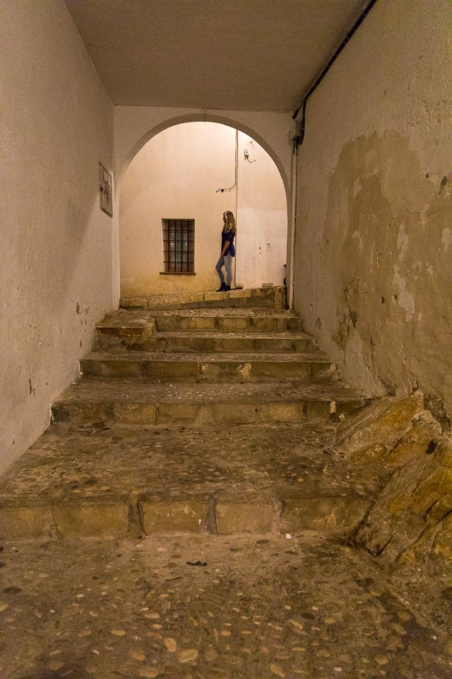 Smug med portal mellom to av hovedgatene