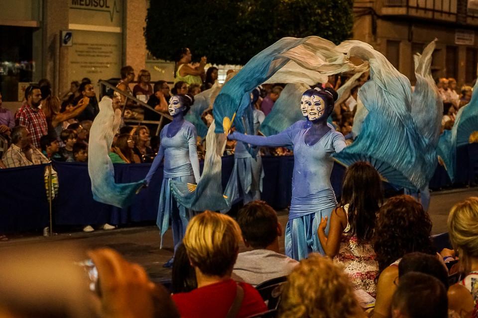 Dansegruppe i fiestaen i Villajoyosa
