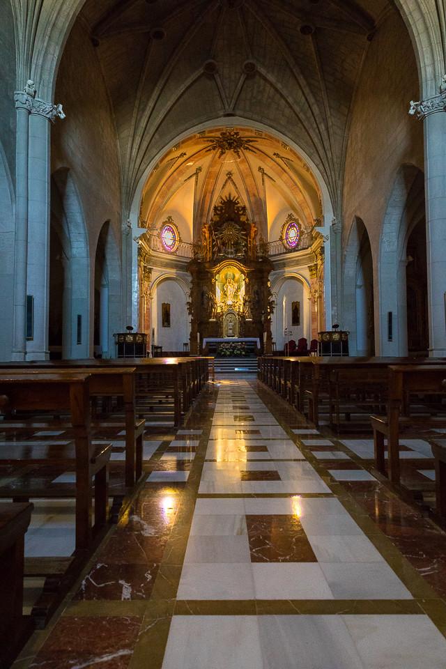 Innsiden av La Iglesia de la Asunción