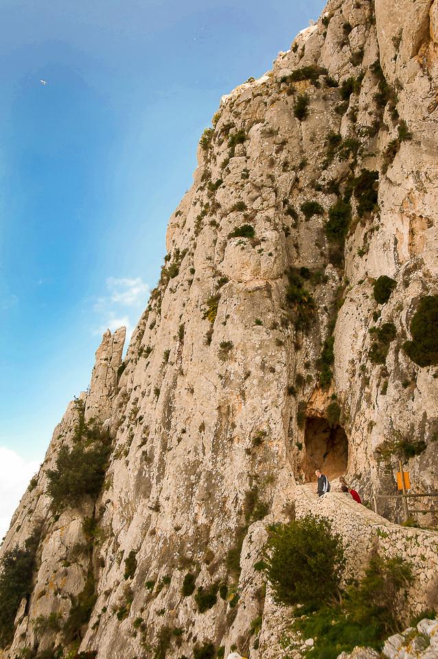 Tunnel gjennom det bratteste partiet på Calpa-klippen
