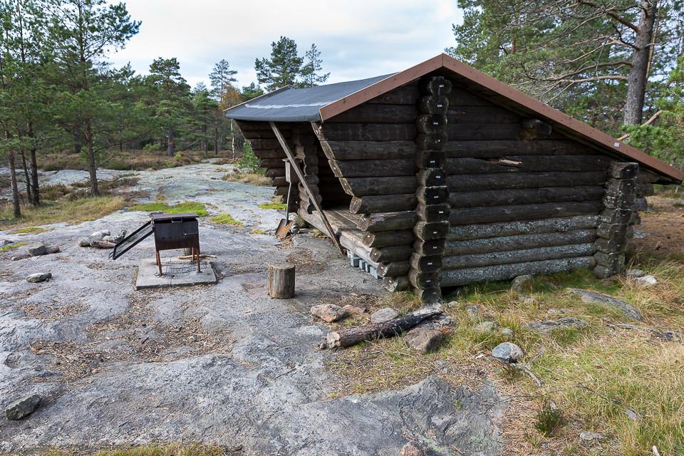 Gapahuk og grillplass på Bjørnerødpiggen