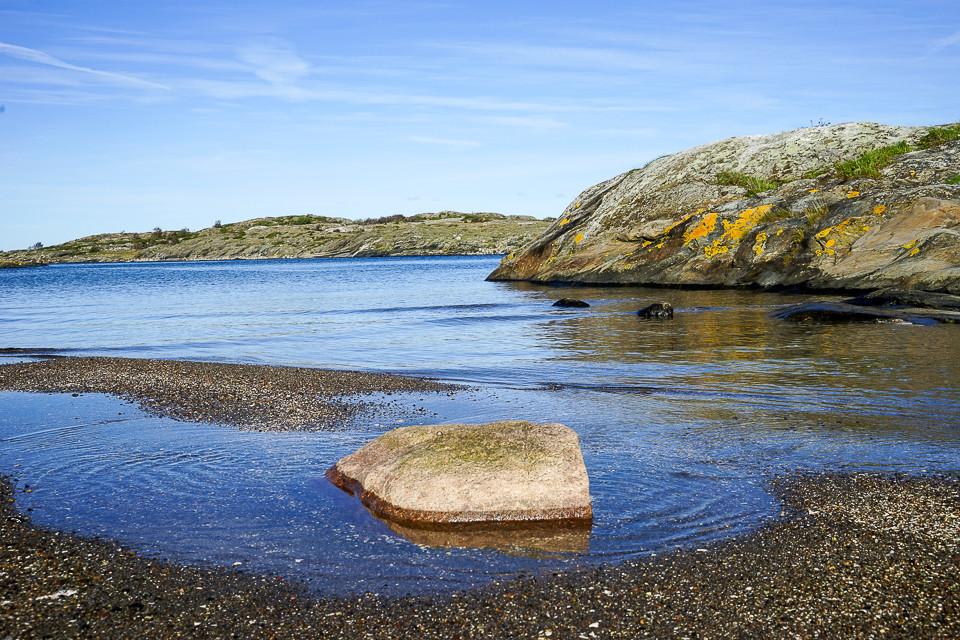 Liten steinstrand på Nord-Koster som man gjerne får ha for seg selv