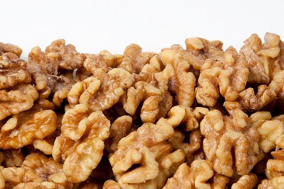 אגוזי מלך מונבטים עם מלח ים